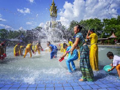 提醒中游客在老挝新年泼水节注意事项