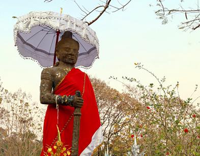 老挝签证出签后可找人代领吗?