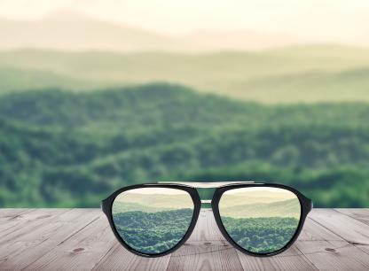 老挝签证照片可以戴眼镜吗?
