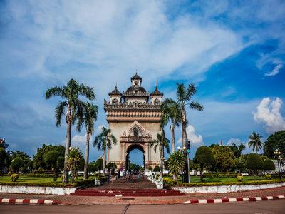 申请老挝旅游签证应准备哪些材料?